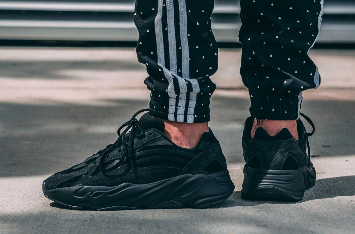 Preview: adidas Yeezy Boost 700 V2 Vanta Le Site de la Sneaker