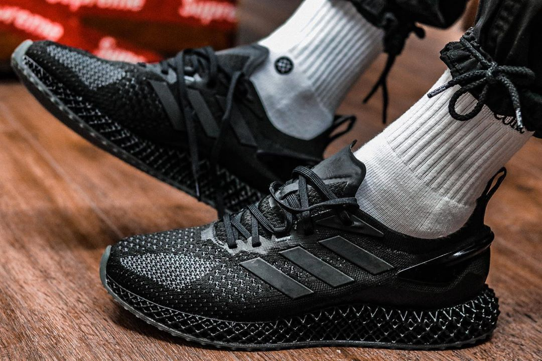 Preview: adidas 4D Run 1.0 Triple Black Le Site de la Sneaker