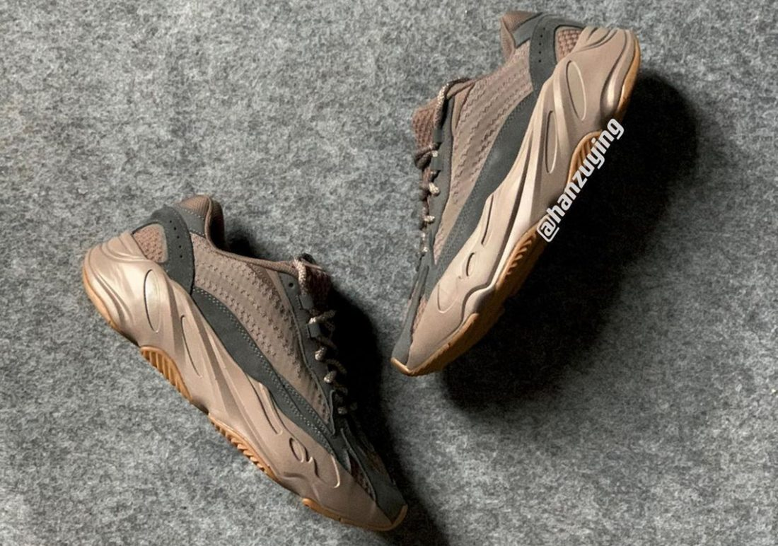 preview kanye west adidas yeezy boost 700 v2 mauve pic01 1100x772
